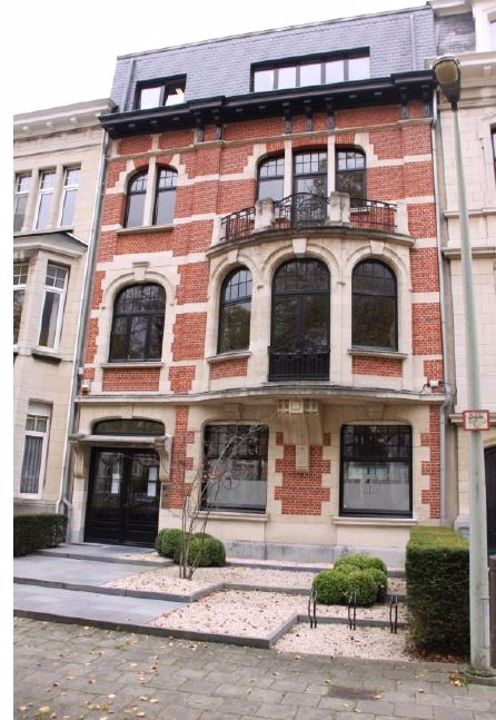 Immeuble de bureauxte huur teBerchem voor 90.000€ - (6356478)
