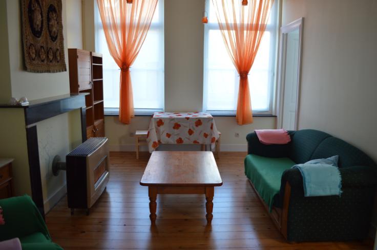 Appartement de 2façades à louerà St-Gilles auprix de 650€ - (6392289)