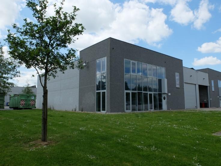 Immeuble industriel de3 façades àlouer à Ghislenghienau prix de18.000 € -(6405438)