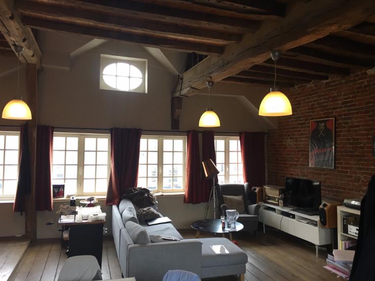 Loft de 2façades à louerà Louvain auprix de 695€ - (6423293)