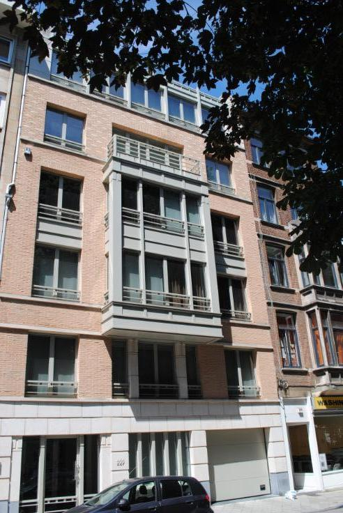 Appartement van 2gevels te huurte Ixelles voor3.600 € -(6429360)
