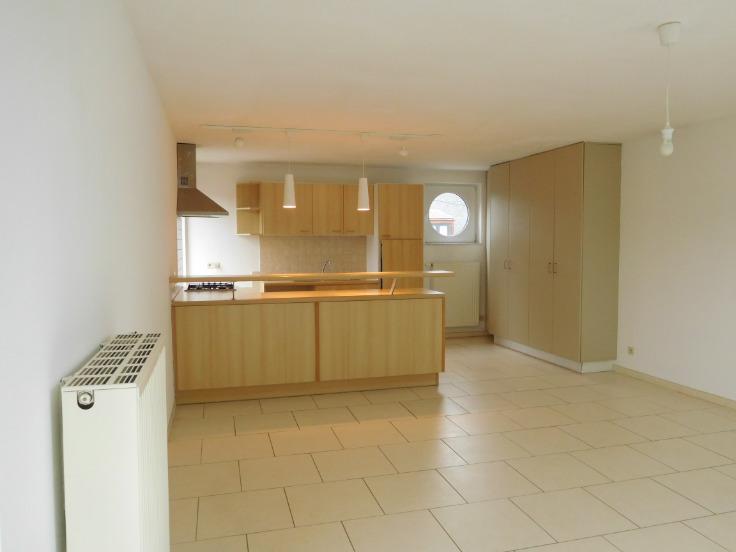 Duplex te huurte Jambes voor890 € -(6492027)