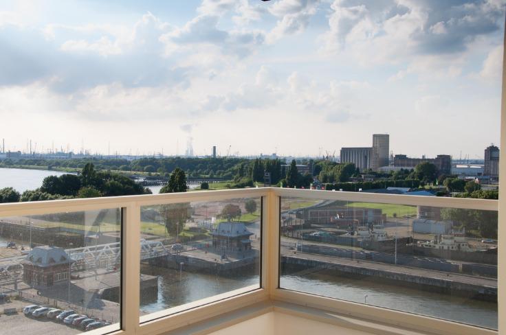 Appartement de 4façades à louerà Anvers auprix de 975€ - (6510944)