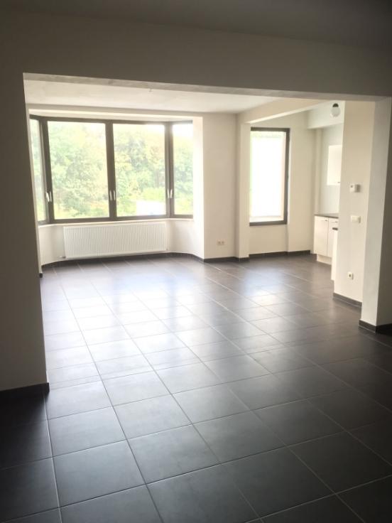 Appartement van 2gevels te huurte Berchem voor695 € -(6516317)
