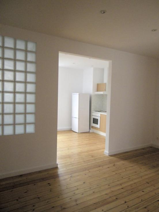 Appartement de 2façades à louerà Bruxelles villeau prix de700 € -(6542398)