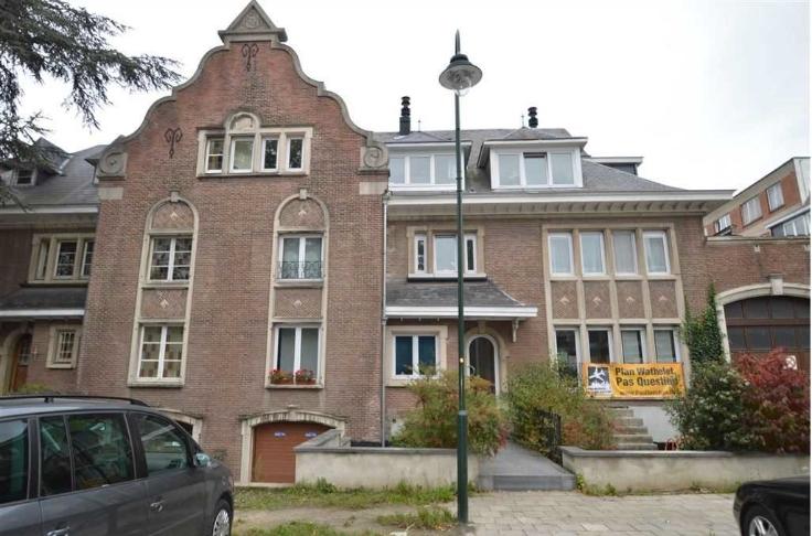 Appartement de 2façades à louerà Forest auprix de 775€ - (6551571)