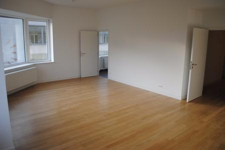 Appartement de 2façades à louerà Bruxelles-Quartier Louiseau prix de1.250 € -(6562889)