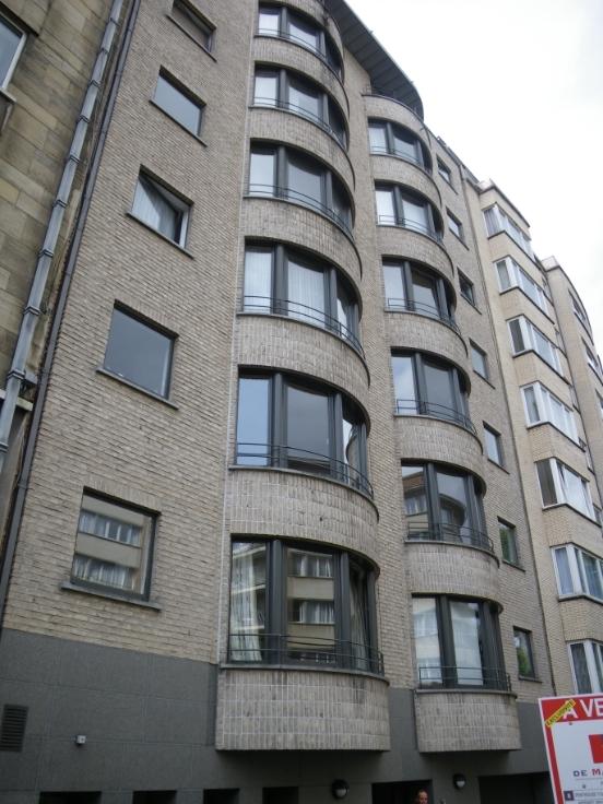 Appartement de 2façades à louerà Forest auprix de 950€ - (6579422)