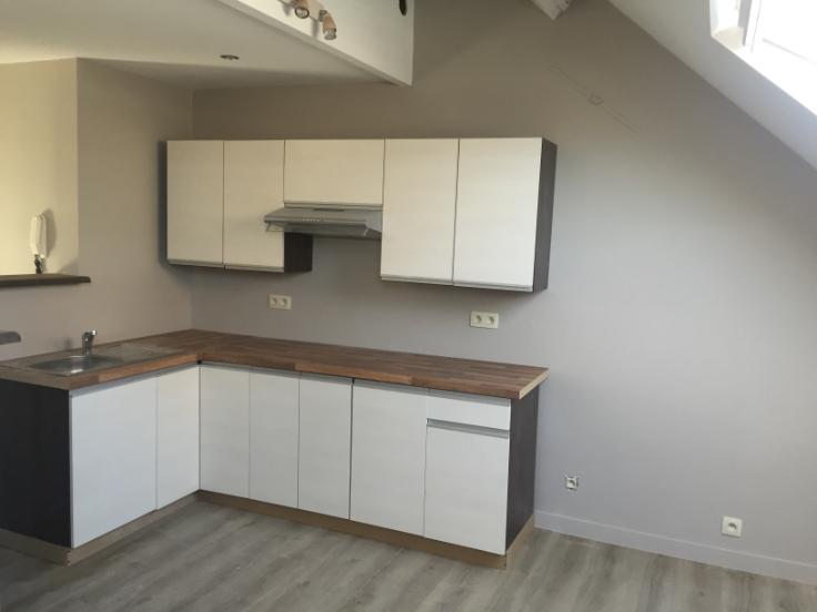 Appartement de 2façades à louerà Etterbeek auprix de 825€ - (6601170)