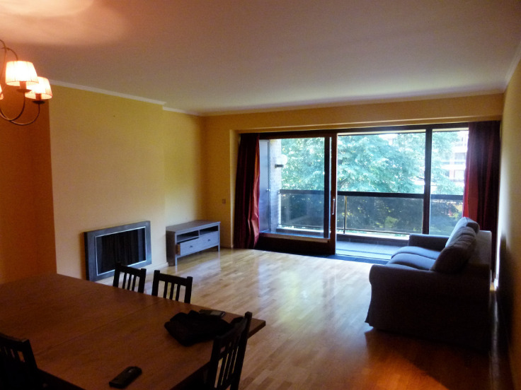 Appartement de 4façades à louerà Uccle auprix de 1.500€ - (6608615)