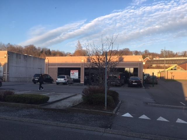 Immeuble commercial de4 façades àlouer à Morlanwelzau prix de57.420 € -(6610035)