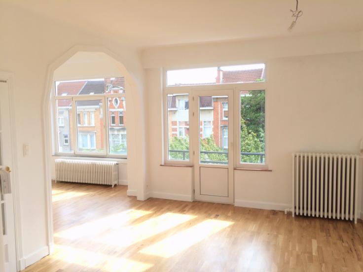 Appartement de 2façades à louerà Woluwe-St-Lambert auprix de 1.300€ - (6612171)