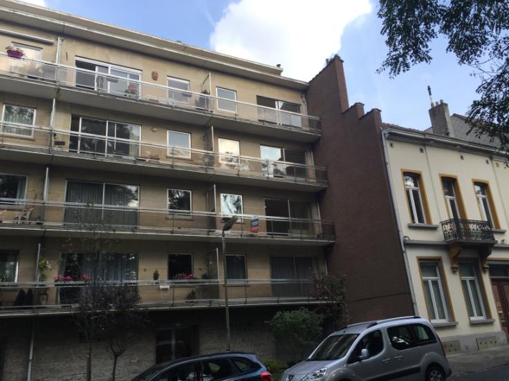 Appartement van 2gevels te huurte Uccle voor920 € -(6613948)