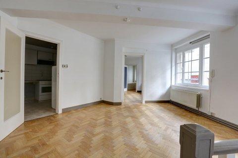 Appartement de 2façades à louerà Bruxelles-Quartier Louiseau prix de730 € -(6616357)