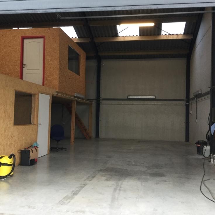 Garage louer namur province for Garage interieur a louer