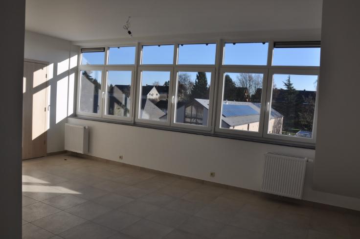 Appartement van 3gevels te huurte Bouge voor625 € -(6618612)