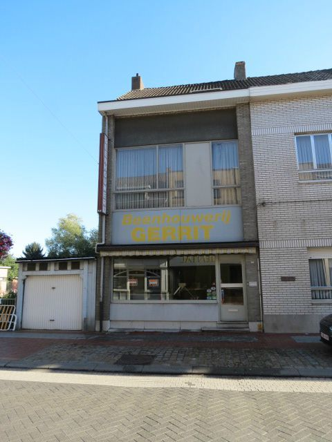Commerce van 2gevels te huurte Zwijndrecht voor13.200 € -(6619446)