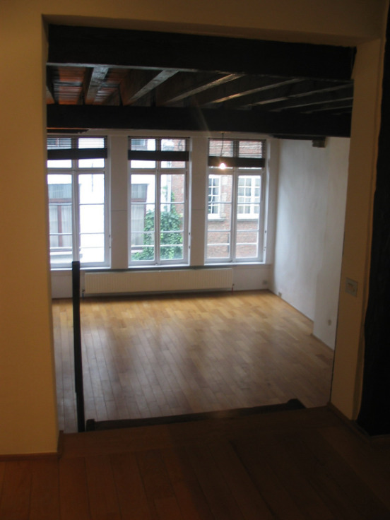 Loft van 2gevels te huurte Anvers voor1.200 € -(6621015)
