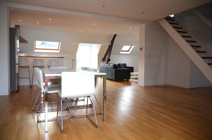 Duplex de 2façades à louerà Molenbeek-St-Jean auprix de 1.000€ - (6621611)