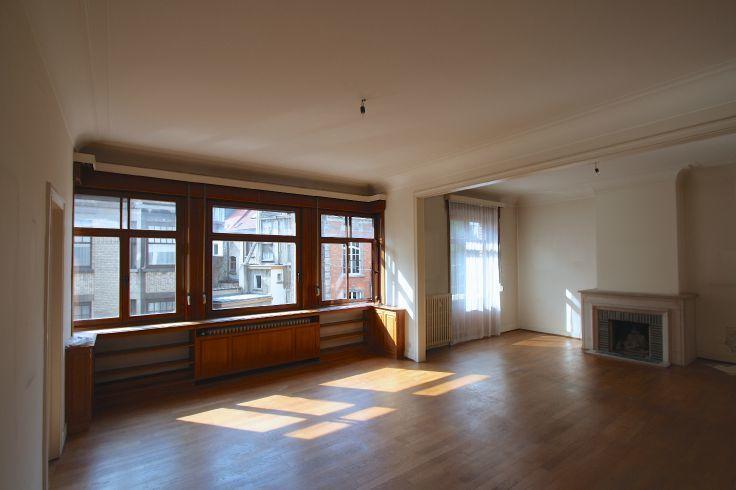 Appartement de 2façades à louerà St-Gilles auprix de 1.400€ - (6623959)