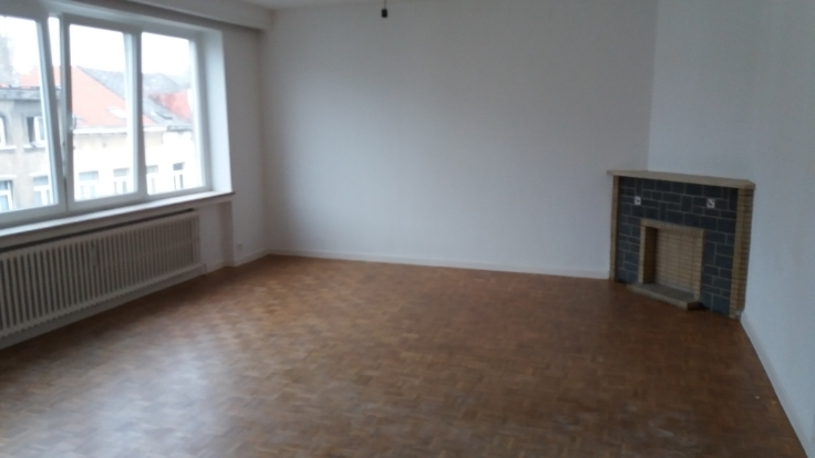 Appartement de 2façades à louerà Anderlecht auprix de 850€ - (6626152)