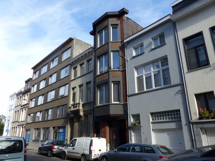 Appartement de 2façades à louerà Anvers auprix de 760€ - (6627100)