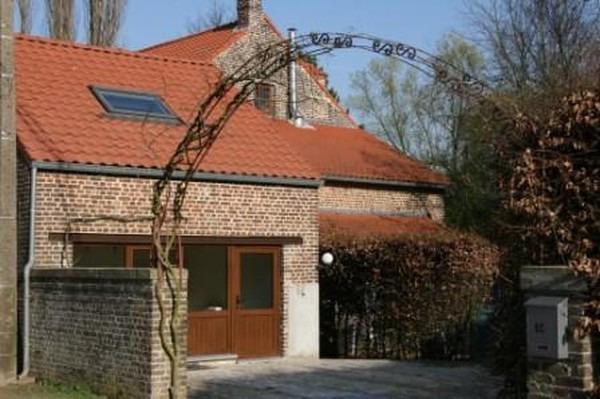 Appartement de 4façades à louerà Noduwez auprix de 575€ - (6628882)