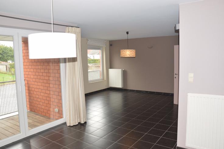 Appartement de 2façades à louerà Perwez auprix de 750€ - (6628908)