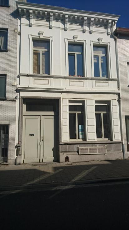 Immeuble mixte àlouer à Anvers6 au prixde 19.440 €- (6628943)