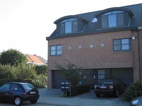 Duplex with 3frontages for rentin Wijnegem auprix de 870€ - (6629444)