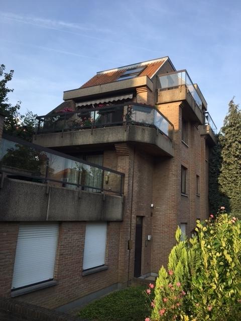 Duplex de 3façades à louerà Woluwe-St-Lambert auprix de 1.500€ - (6631519)