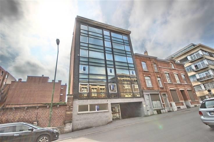Bureaux te huurte Charleroi voor33.000 € -(6631966)