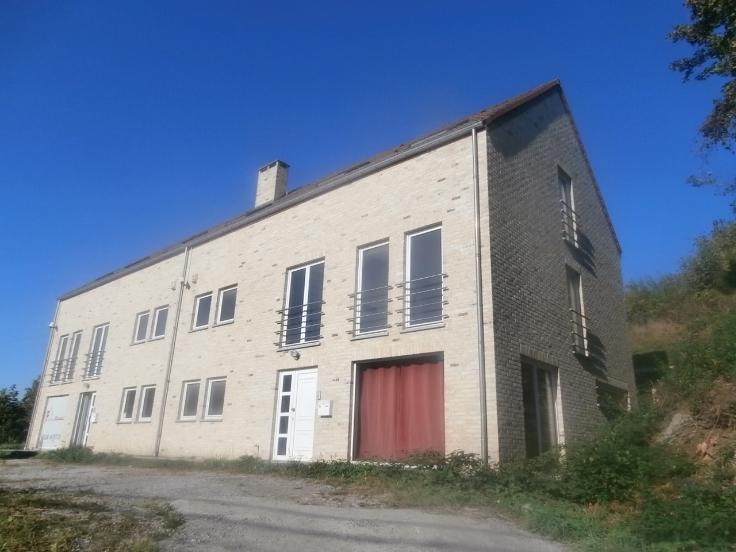 Duplex de 3façades à louerà Bouffioulx auprix de 800€ - (6637064)