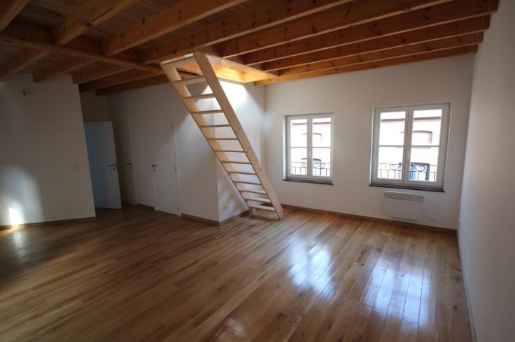 Duplex de 3façades à louerà Mons auprix de 650€ - (6637374)