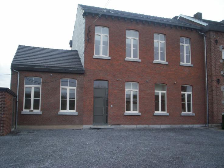 Duplex de 3façades à louerà Fexhe-le-Haut-Clocher auprix de 550€ - (6639006)