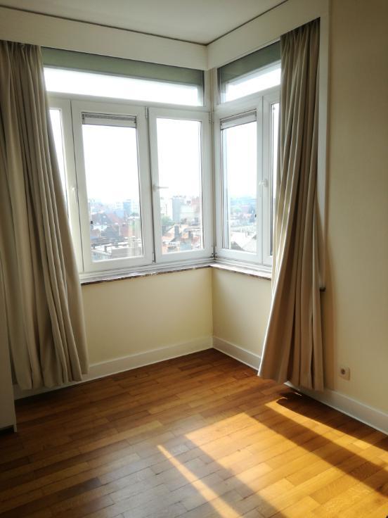 Appartement de 4façades à louerà Ixelles auprix de 975€ - (6642286)