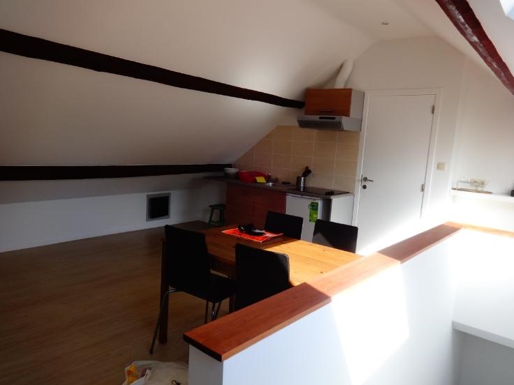 Appartement van 4gevels te huurte Wezembeek-Oppem voor700 € -(6642387)