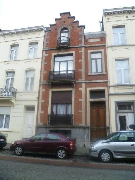 Appartement de 2façades à louerà Anderlecht auprix de 825€ - (6642564)