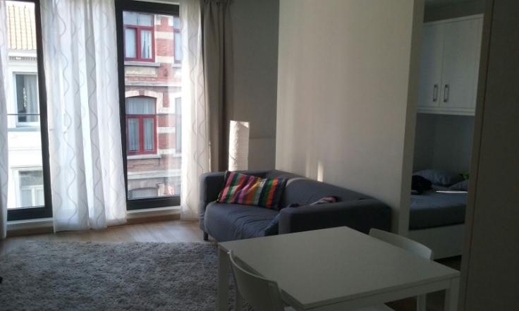 Flat/Studio van 2gevels te huurte Ixelles voor850 € -(6649545)
