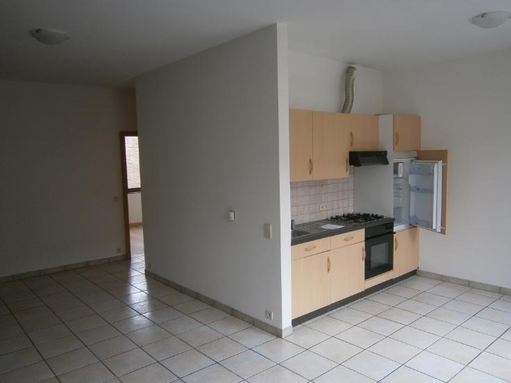 Appartement de 2façades à louerà Huy auprix de 500€ - (6652195)