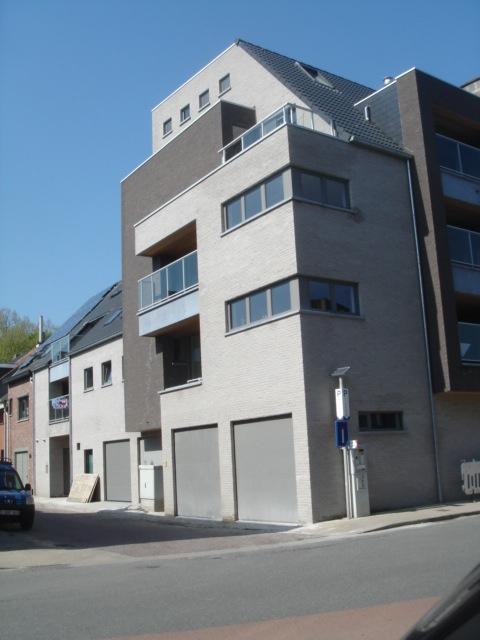 Appartement with 2frontages for rentin St-Nicolas auprix de 700€ - (6663646)