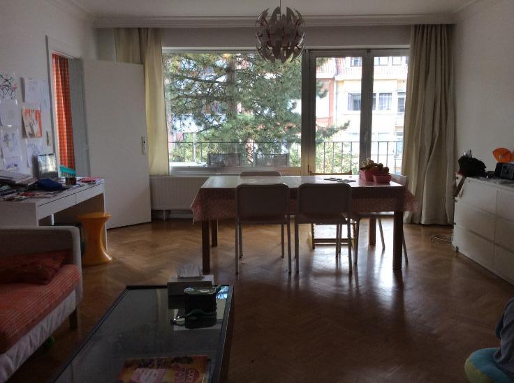 Appartement de 2façades à louerà Forest auprix de 900€ - (6663980)