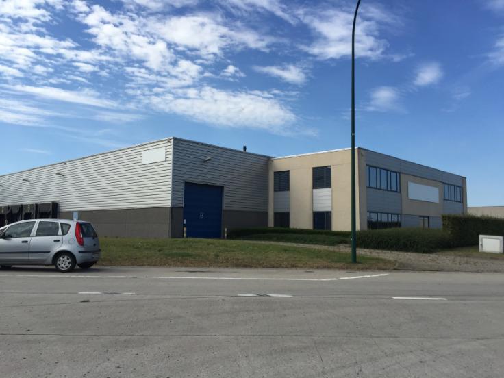 Immeuble industriel de4 façades àlouer à Grace-Hollogneau prix de96.800 € -(6664309)
