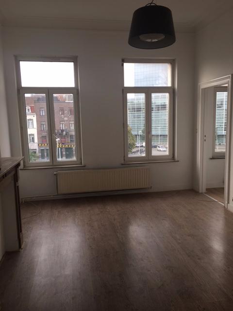 Appartement van 2gevels te huurte St-Gilles voor680 € -(6664326)