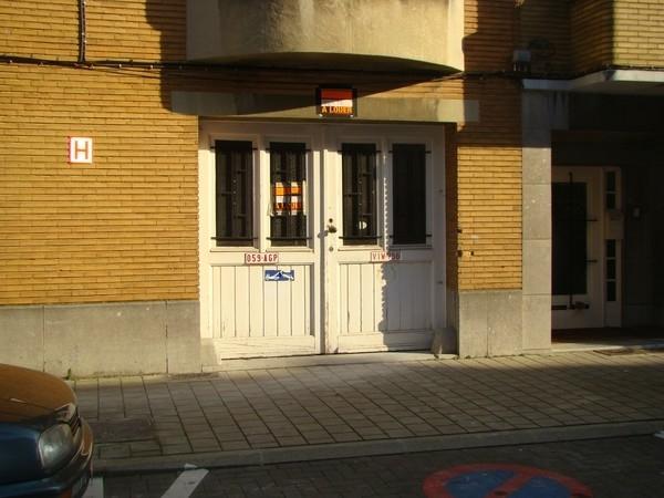 Box fermé forrent in Jetteau prix de300 € -(6665396)