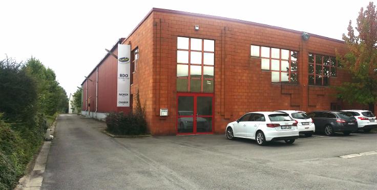 Immeuble industriel àlouer à Jumetau prix de69.600 € -(6681641)