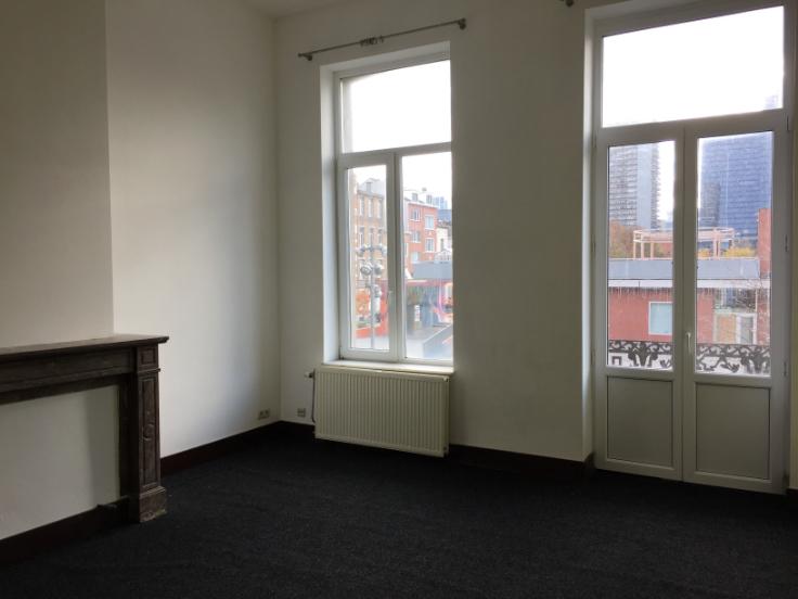 Appartement de 2façades à louerà Bruxelles villeau prix de650 € -(6684880)