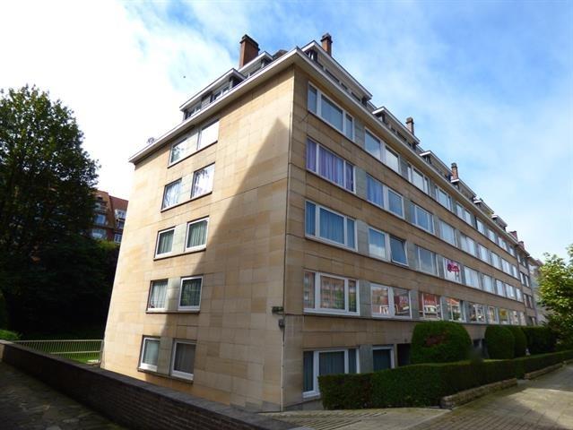 Appartement de 3façades à louerà Woluwe-St-Lambert auprix de 1.250€ - (6690386)