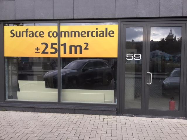 Immeuble commercial van3 gevels tehuur te Bruxellesville voor 48.000€ - (6694669)