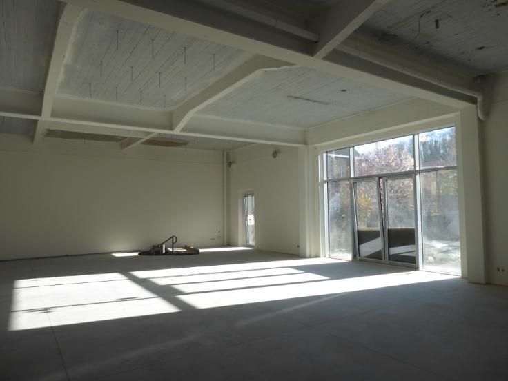 bureau louer li ge province. Black Bedroom Furniture Sets. Home Design Ideas